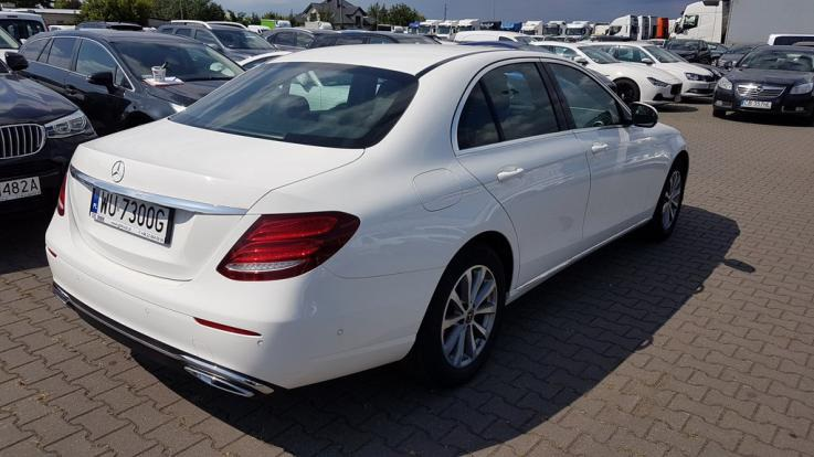 leasing - MERCEDES-BENZ - E220 d 4-Matic 9G-Tronic