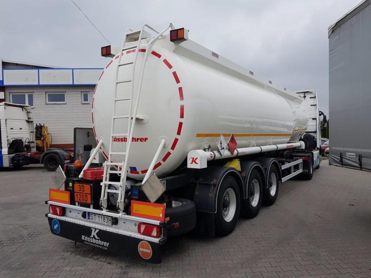 leasing - KASSBOHRER - TANKAUFLIEGER cystrna - naczepa - klasa 3 wg ADR (paliwa)
