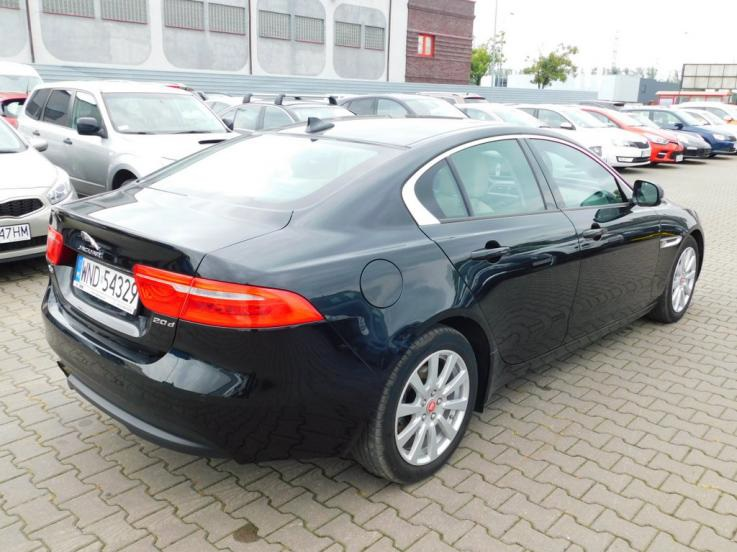 leasing - JAGUAR - XE 2.0 D Pure aut